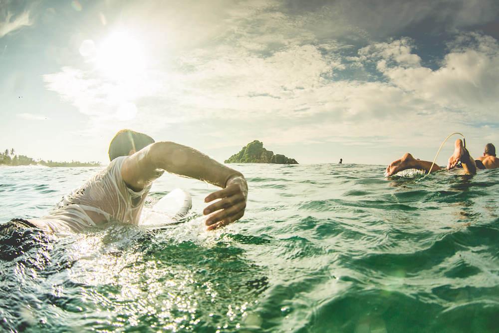 Sri-lanka-surfer-paddle-out