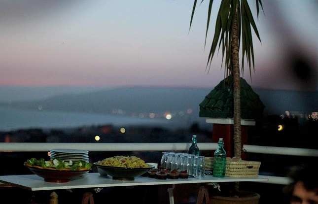 surf-camp-surfing-holidays-morocco-surf-trip-new-roof-top-terrace-food-645-x-414-min