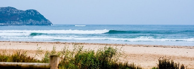 Surf Camps Surfing Holidays Locations Santander Oyambre France Group Header 645 x 230 Optimized